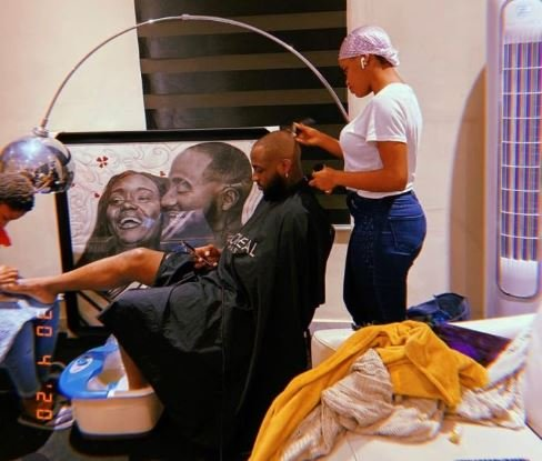 Singer Davido Hails His Beautiful, Curvy, And Sexy Barber ...